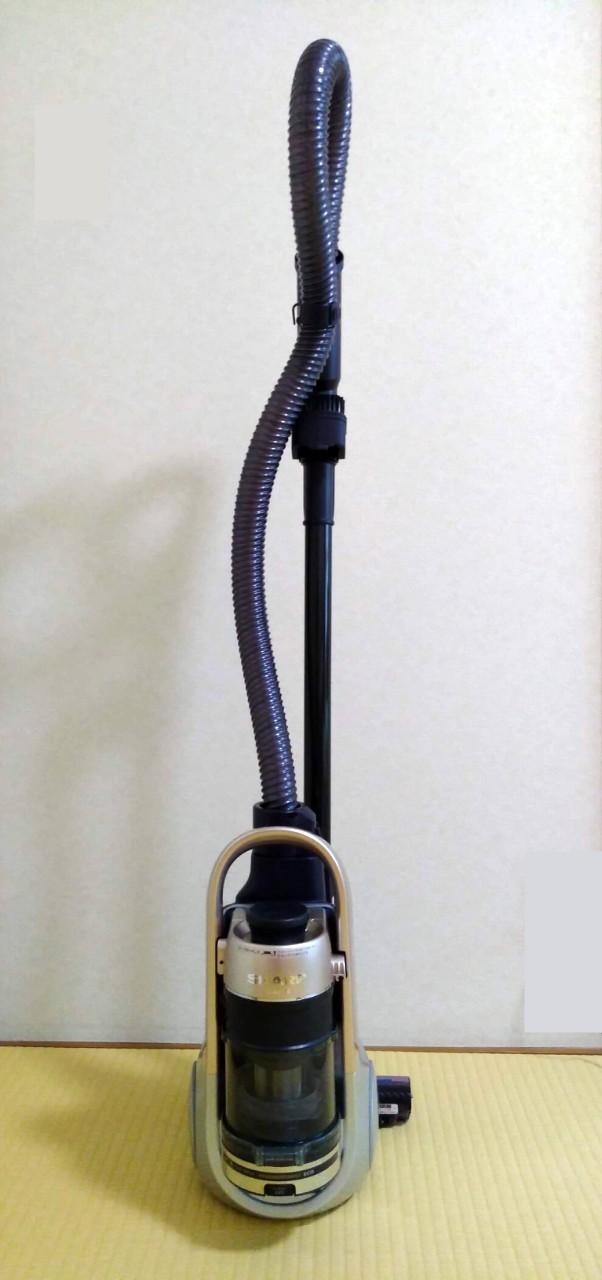 シャープのコードレス キャニスター サイクロン掃除機 EC-AS710