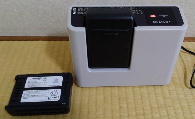 付属バッテリー2個と充電器